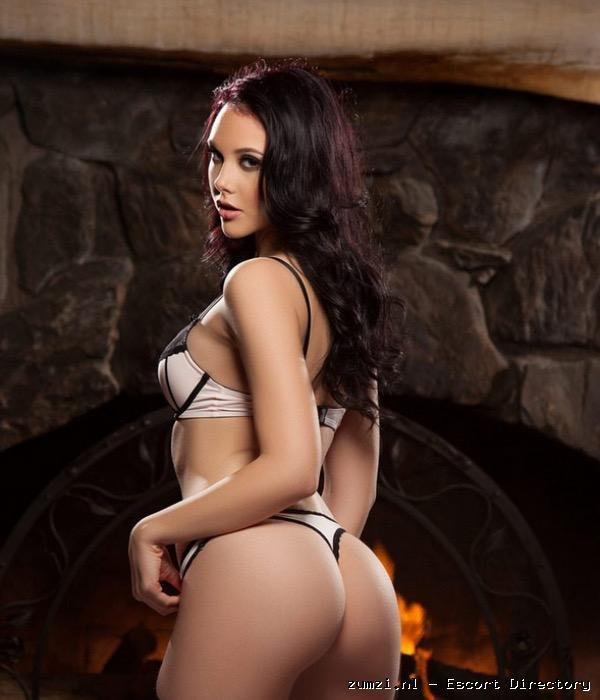 Maria Hot & Sweet Escort